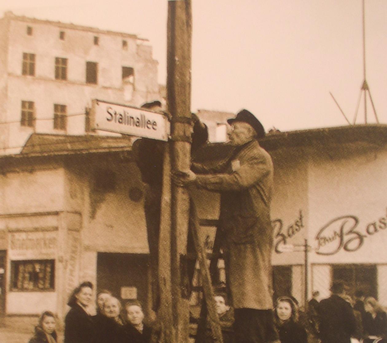 Van onze man in Berlijn: De geflopte Stalinallee (1949-1961). Wat er gebeurde met het verjaardagscadeau voor de Rode Tsaar.