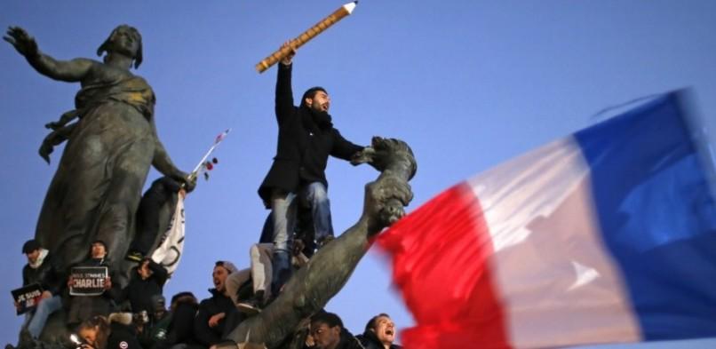 Onze man in Parijs: Tussen republikeinse eenheid en Franse zelfmoord