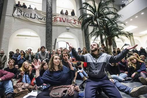Polemiek: Alle creativiteit wordt uit de student geperst