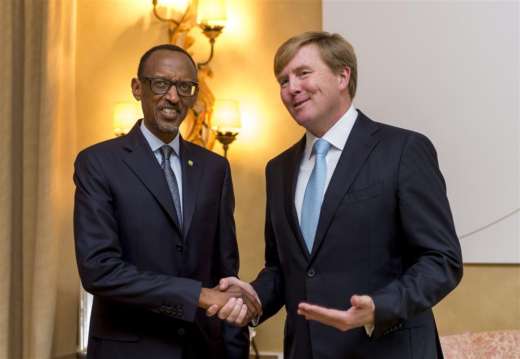 President Paul Kagame van Rwanda werd afgelopen maandag door koning Willem Alexander ontvangen: Kagame is momenteel op een driedaags staatsbezoek in Nederland.