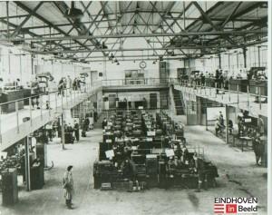 Een praktijklokaal van de Philips Bedrijfsschool in het midden van de jaren 1960. (Bron: eindhoveninbeeld.com)