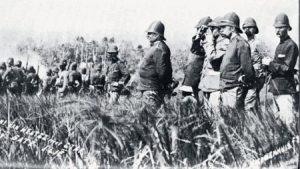 Generaal Van Heutsz, hier op expeditie in Atjeh (1901), voorspelde meerdere malen het einde van de Atjeh-oorlog.