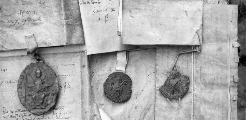Uit de schaduw: Zegels, unieke bron van informatie