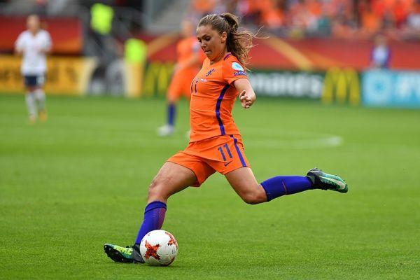 Vrouwenvoetbal – Scoren in een mannenwereld