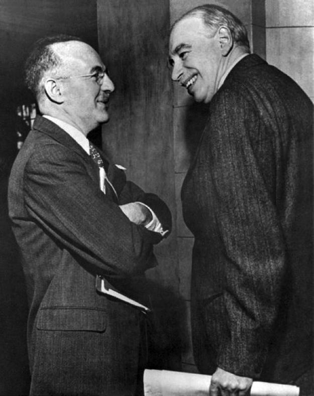Harry Dexter White (links) en John Maynard Keynes namens de Verenigde Staten en Groot-Brittannië  de onderhandelaars tijdens de Bretton Woods conferentie, hier samen op een bijeenkomst van het IMF.  (8 maart 1946).